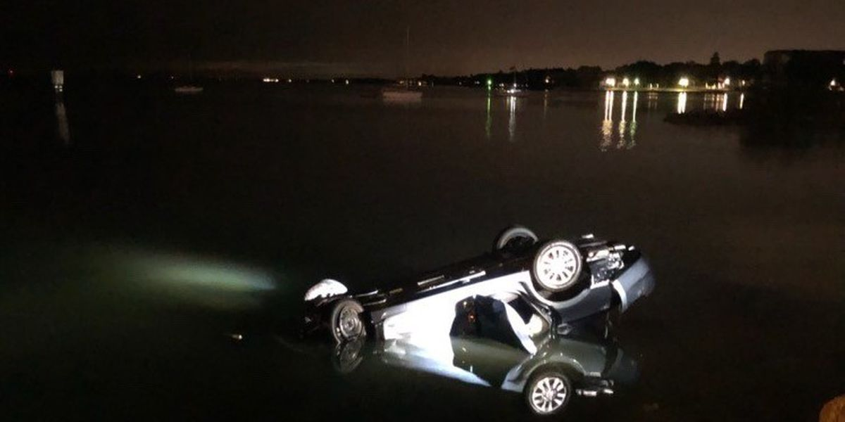 Car ends up in Sarasota Bay overnight, no injuries reported