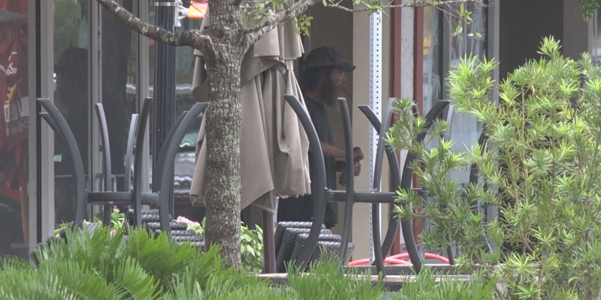 Sarasota business not surprised after homeless man caught on camera publicly urinating