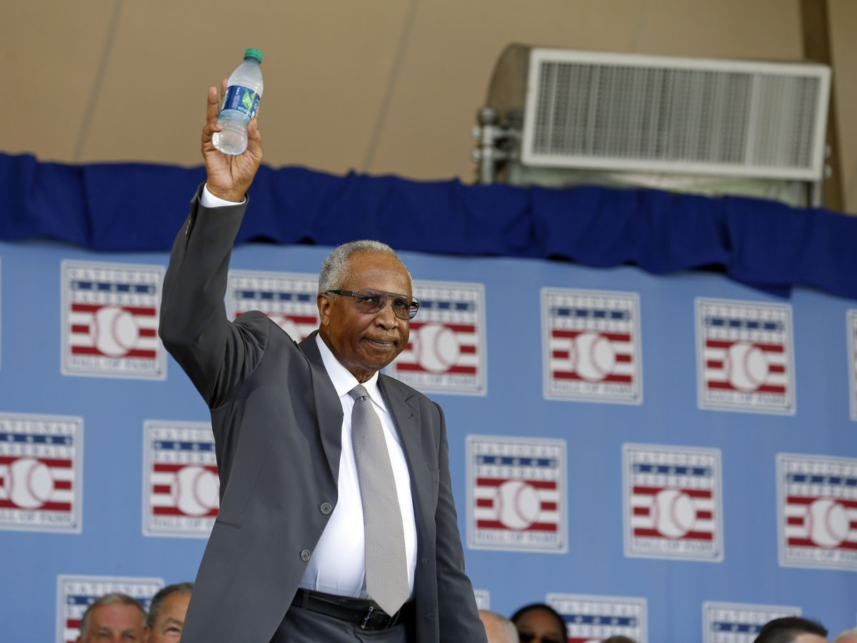 Baseball Hall of Famer Frank Robinson dies at 83