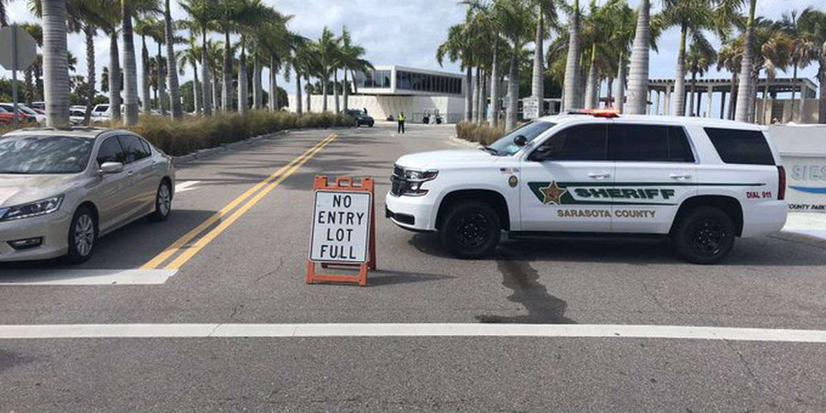 Sarasota, Manatee County beach parking lots filling up quickly