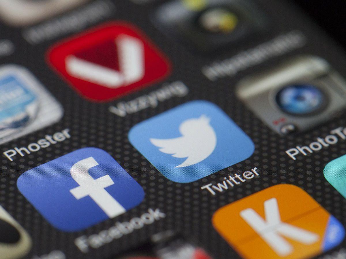 Study: Social media surpasses newspapers as news source