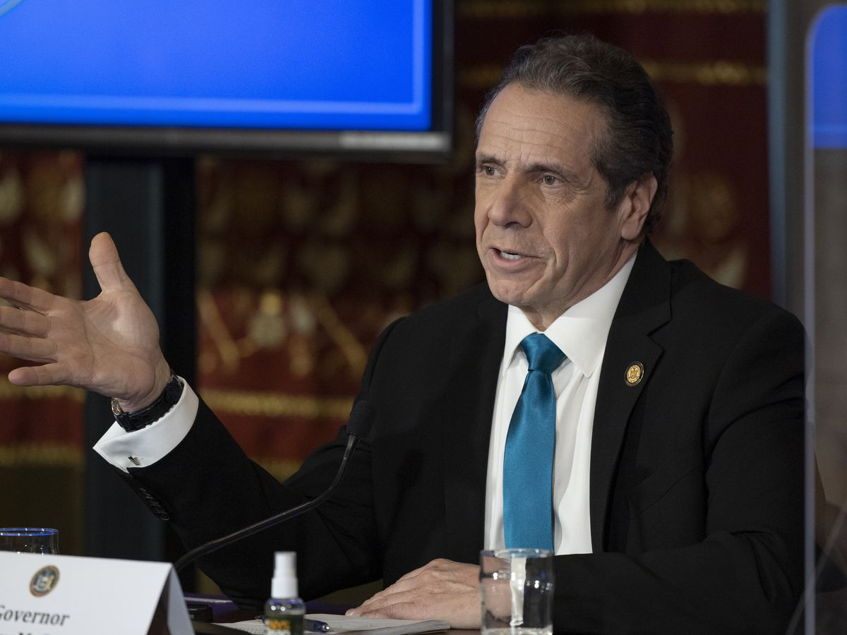 NY Gov. Cuomo acknowledges behavior seen as 'flirtation'