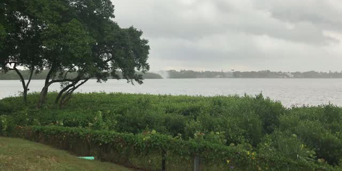 VIDEO: Waterspout heads into Sarasota Bay