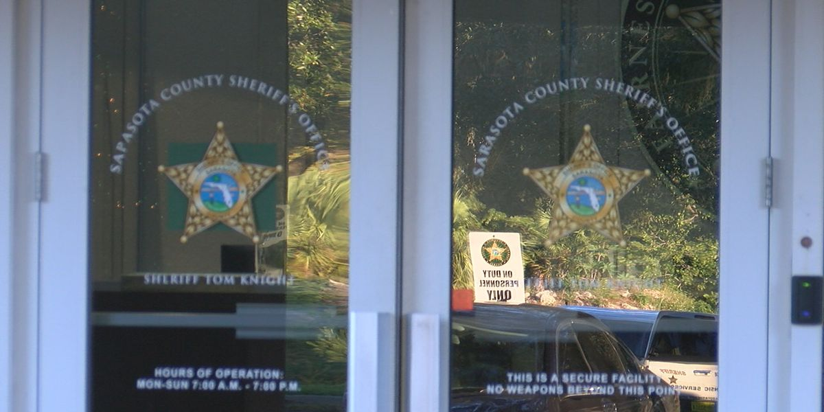 Sarasota detective removed from SWAT team after weapons stolen from unlocked vehicle
