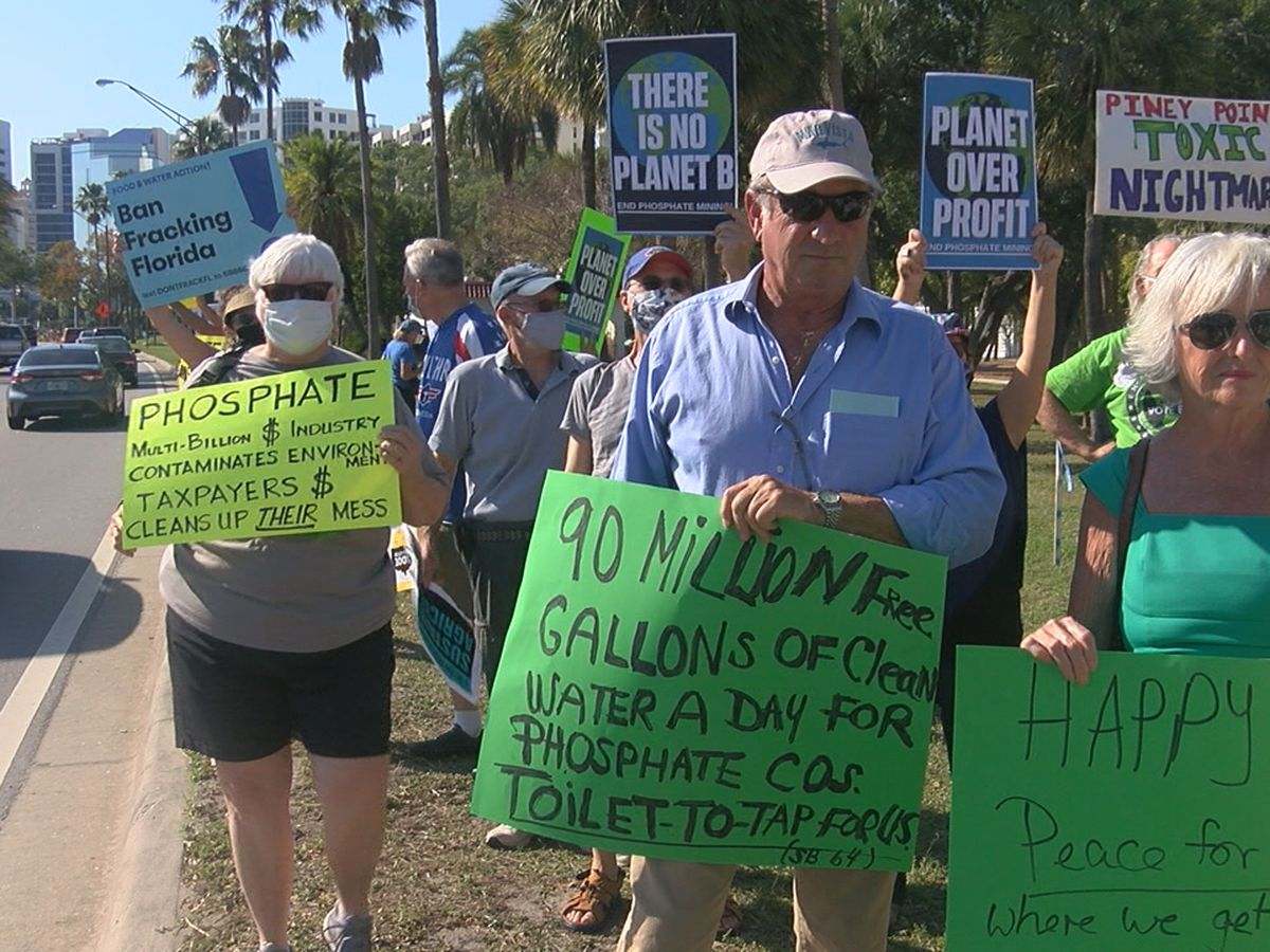 Dozens gather for rally for the environment event in Sarasota
