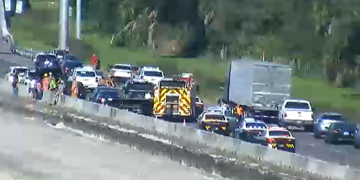 First Alert Traffic: 11 cars involved in multiple crashes on I-75 in Manatee County