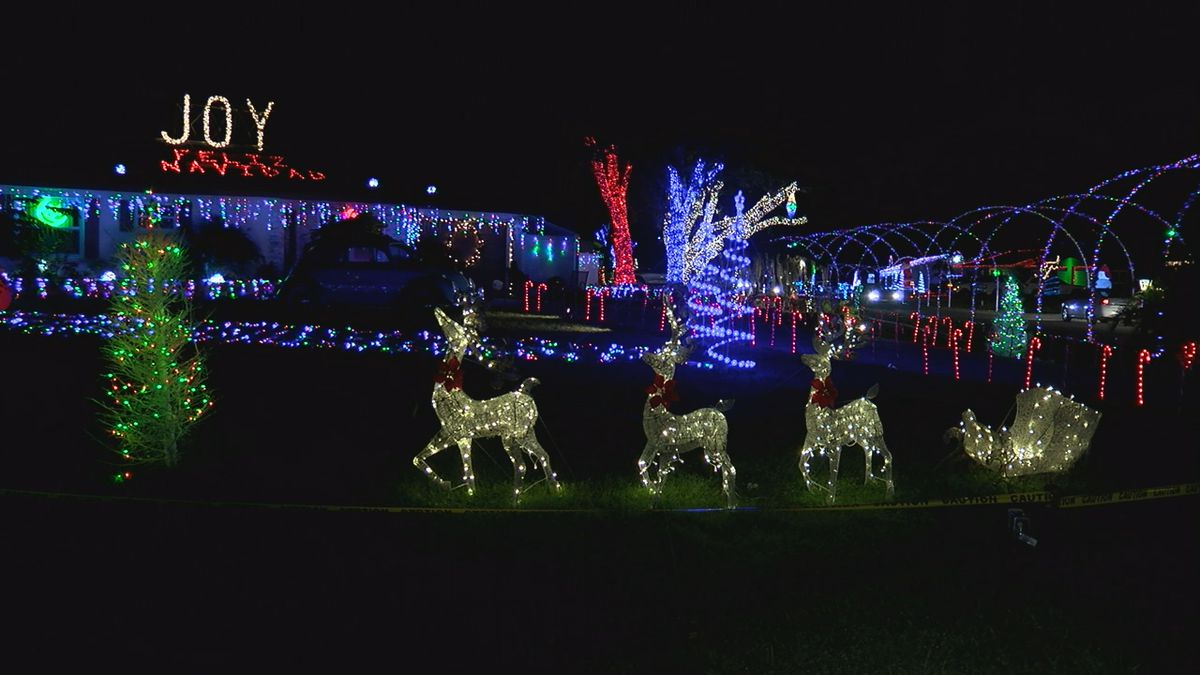Looking to see the best holiday decorations in Sarasota?