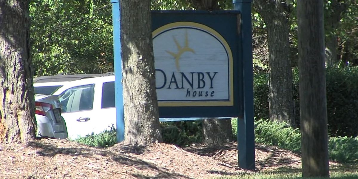 Nursing home staff encouraged, filmed fight between dementia patients, NC police say