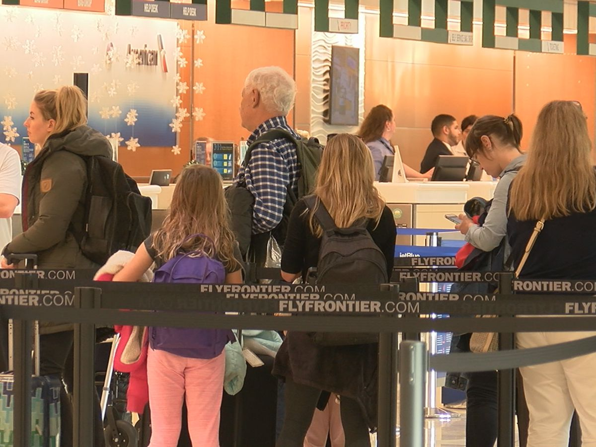 Airport staff say potential measles exposures in major U.S. airports aren't affecting SRQ travelers