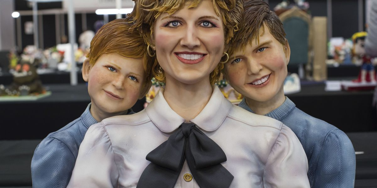 Royal sweets: Diana and sons feature in cake competition