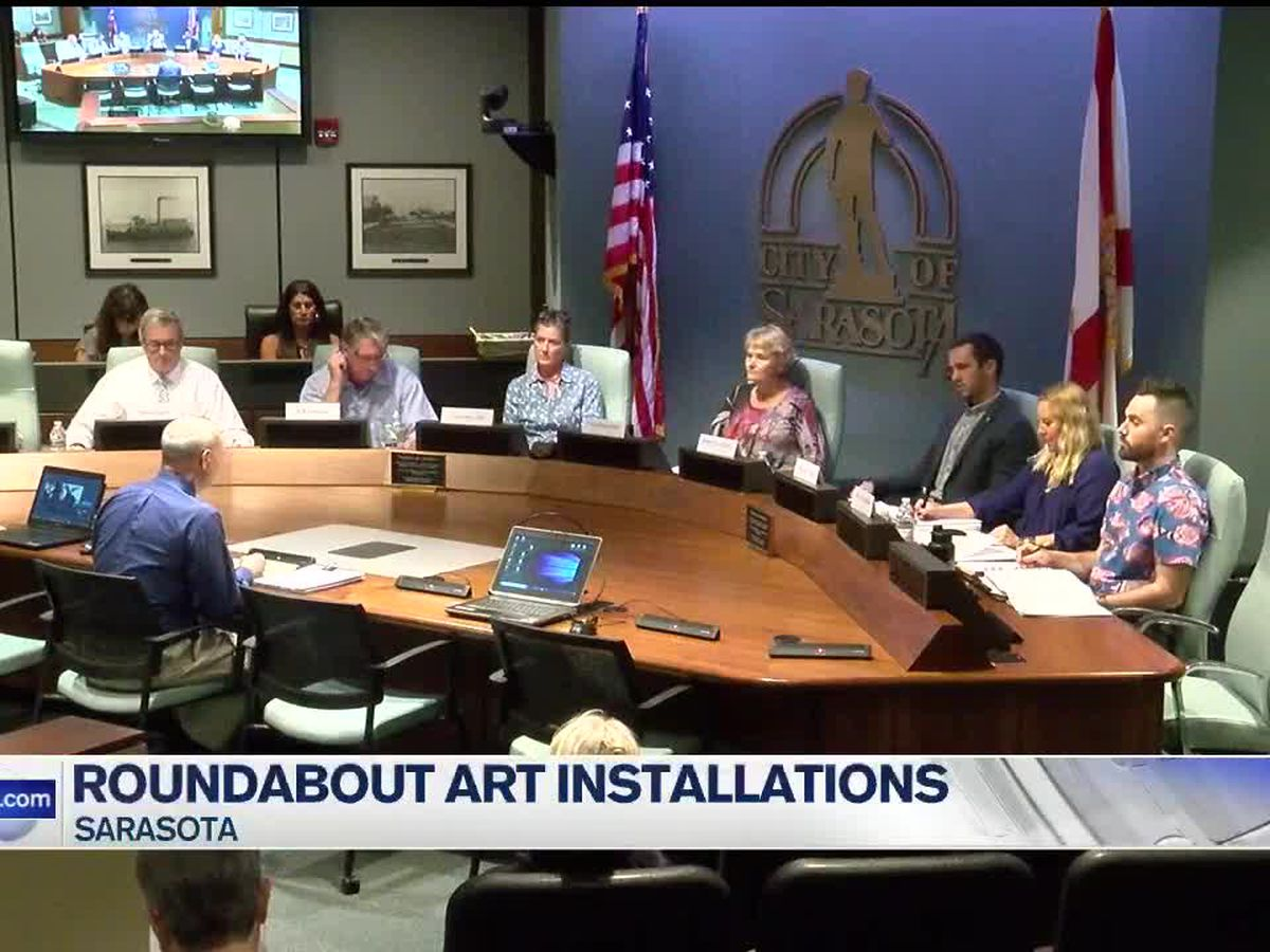 Sarasota Public Art Committee choose art sculptures for roundabouts