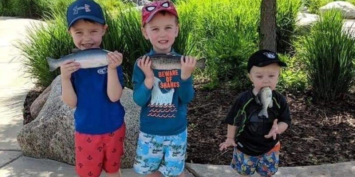 Wisconsin brothers' adorable fish photo goes viral