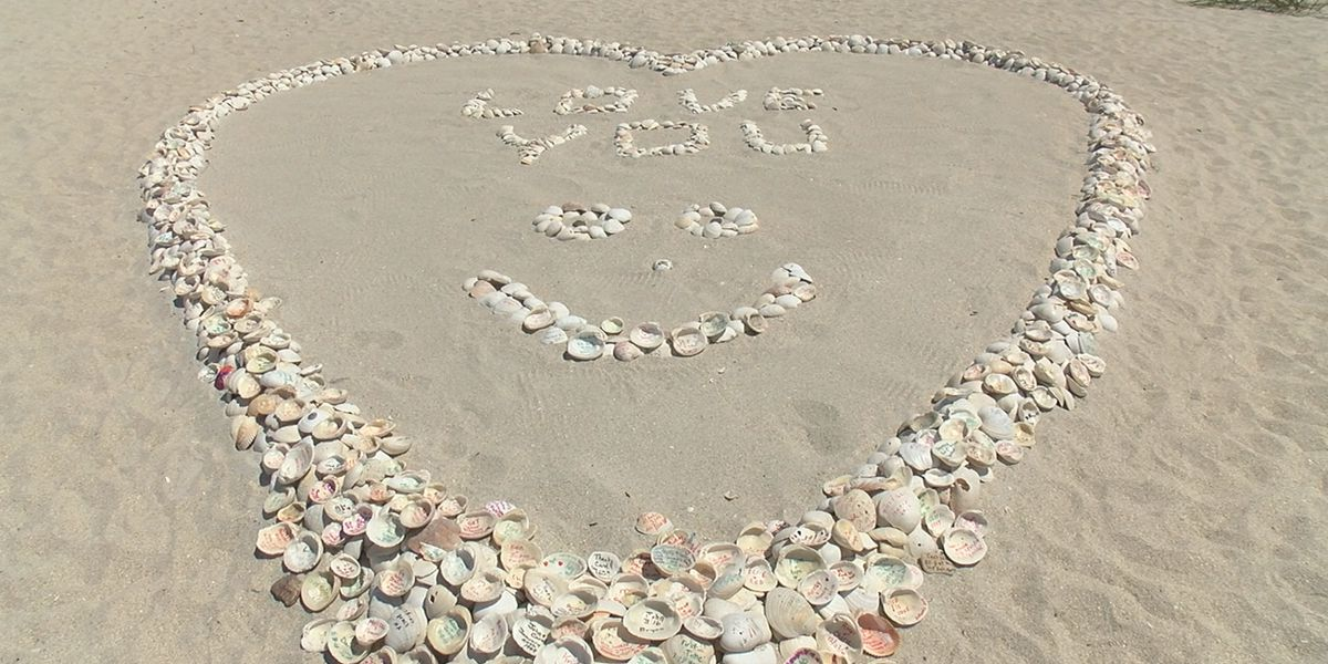 Growing heart leaves positive messages on Casey Key beach