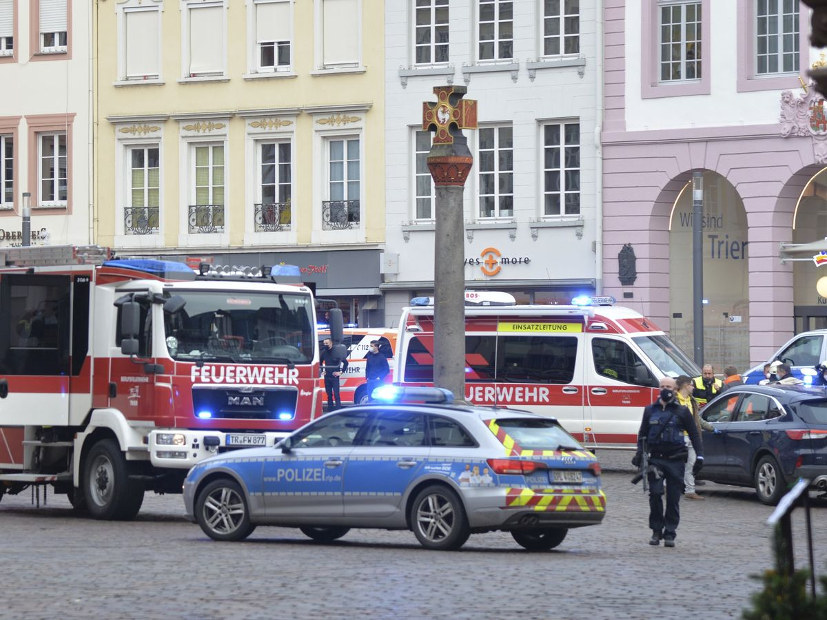 4 killed, 15 injured after German man drives car into crowd