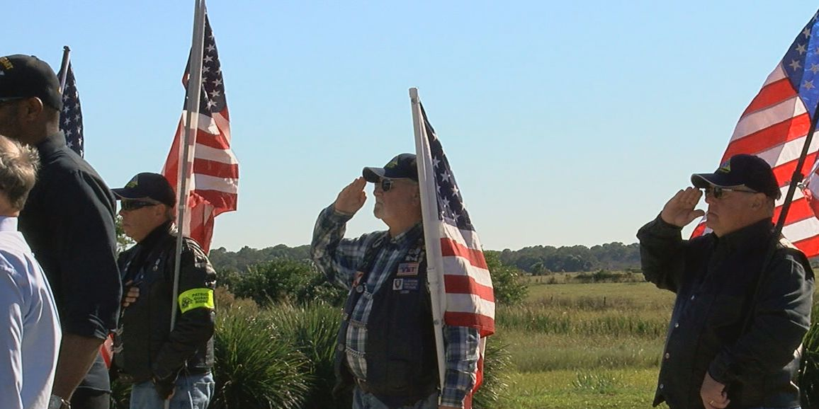 Community members show up to honor homeless unclaimed veteran at his funeral