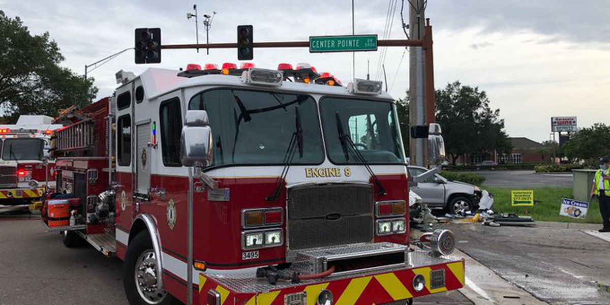 1 dead after early morning crash in Sarasota