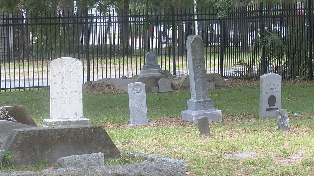 Manatee County preserves history with grave cleaning