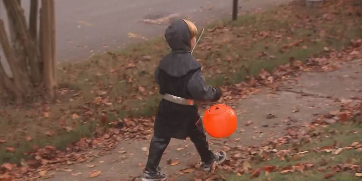How to trick or treat safely this year