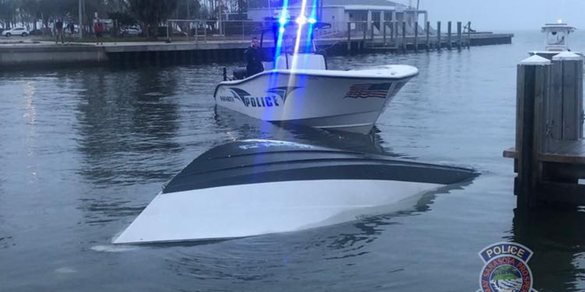 VIDEO: Boat sinks at the 10th Street Boat Ramp after operator forgets to put in boat plug