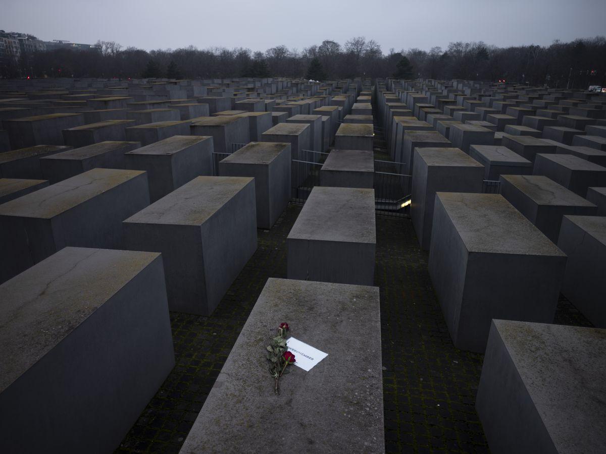 Auschwitz survivors mark anniversary online amid pandemic