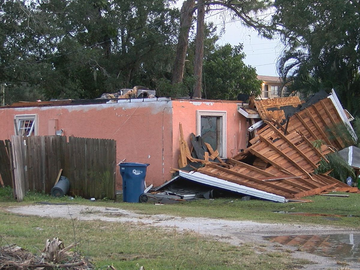 Gas leak leads to house explosion in Bradenton