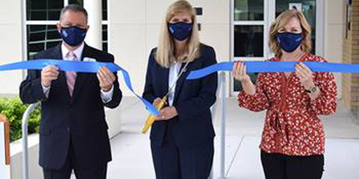 State College of Florida opens new science building