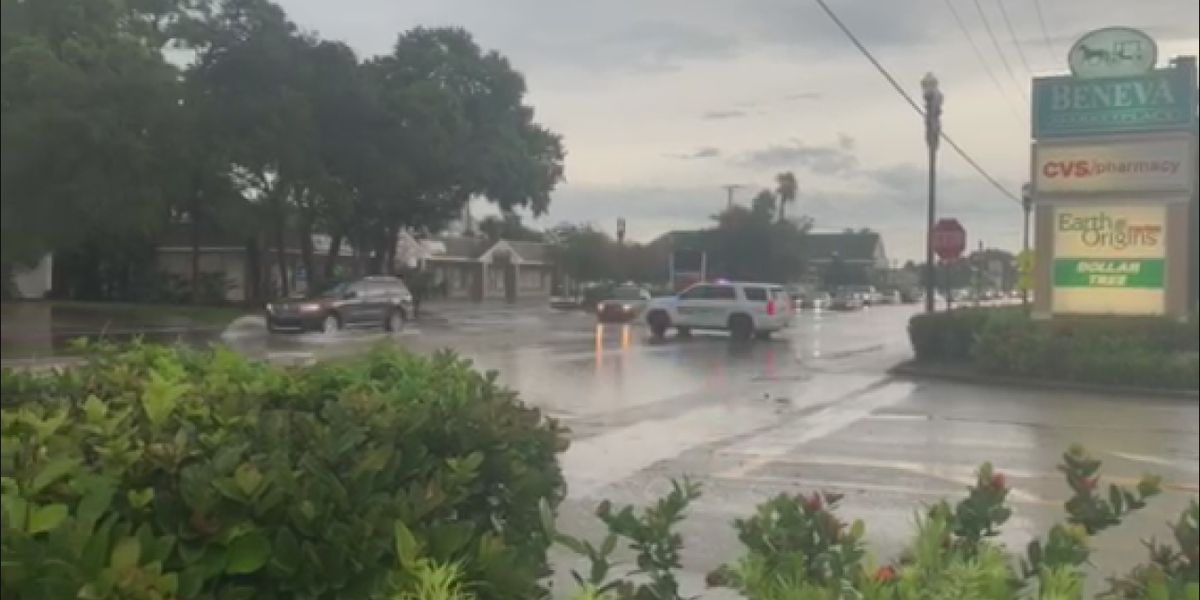 Powerful storms cause flooding and lots of headaches for Suncoast residents