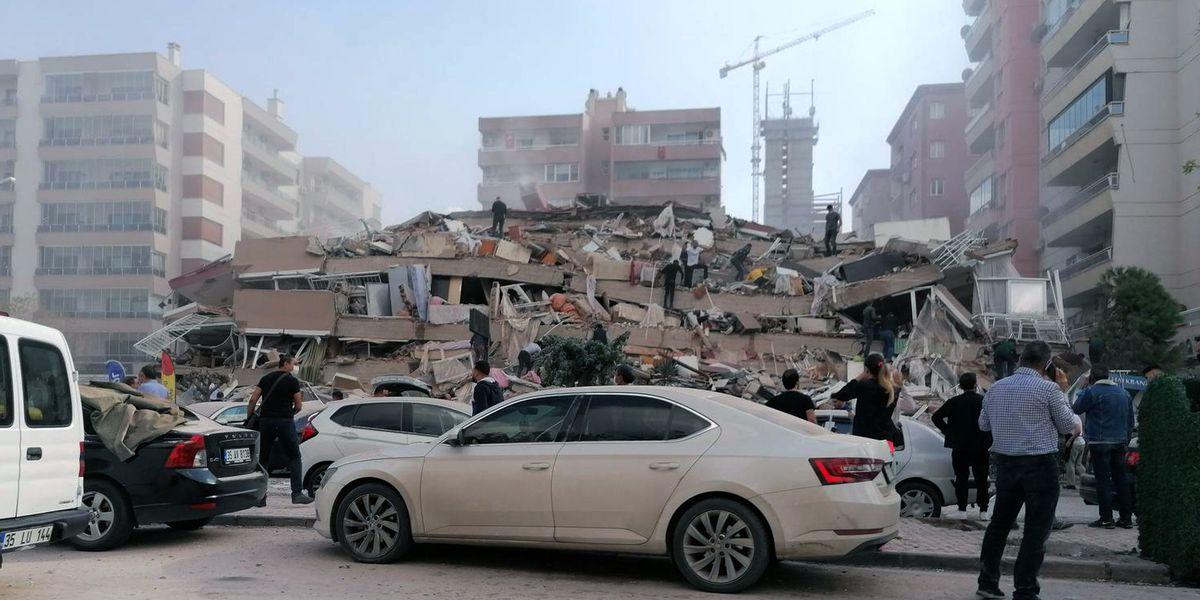 Quake between Turkey, Greece topples buildings in Turkey