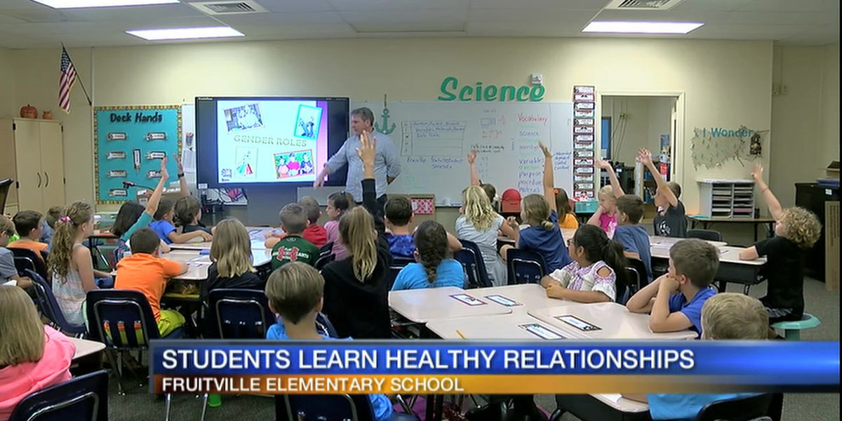 Video: SPARCC Teaches Students at Fruitville Elementary School About Healthy Relationships