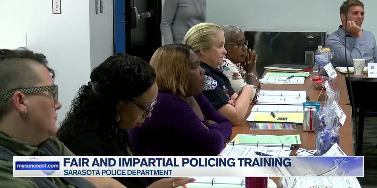 Sarasota PD hold fair and impartial policing training with officers and community leaders