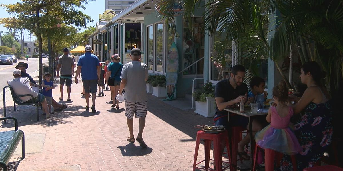 Seasonal visitors and spring breakers flock to the Suncoast