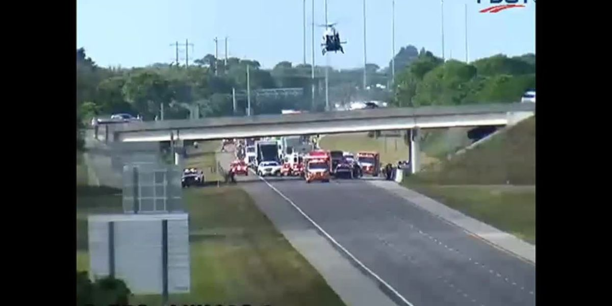 Medical helicopter lands on closed I-75 South