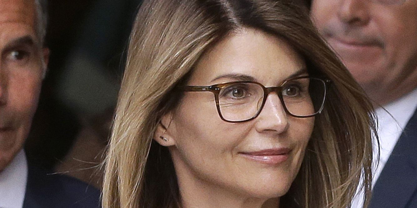 Actress Lori Loughlin, husband Giannulli plead not guilty in college admissions scam