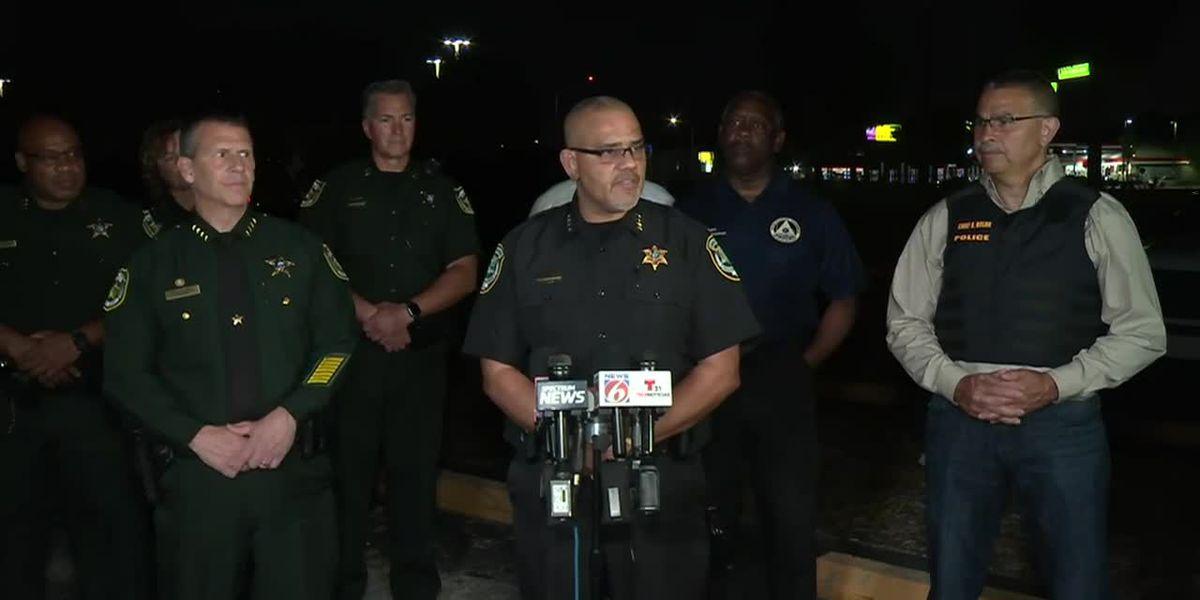 Man shot after bringing gun into booking room of Florida jail
