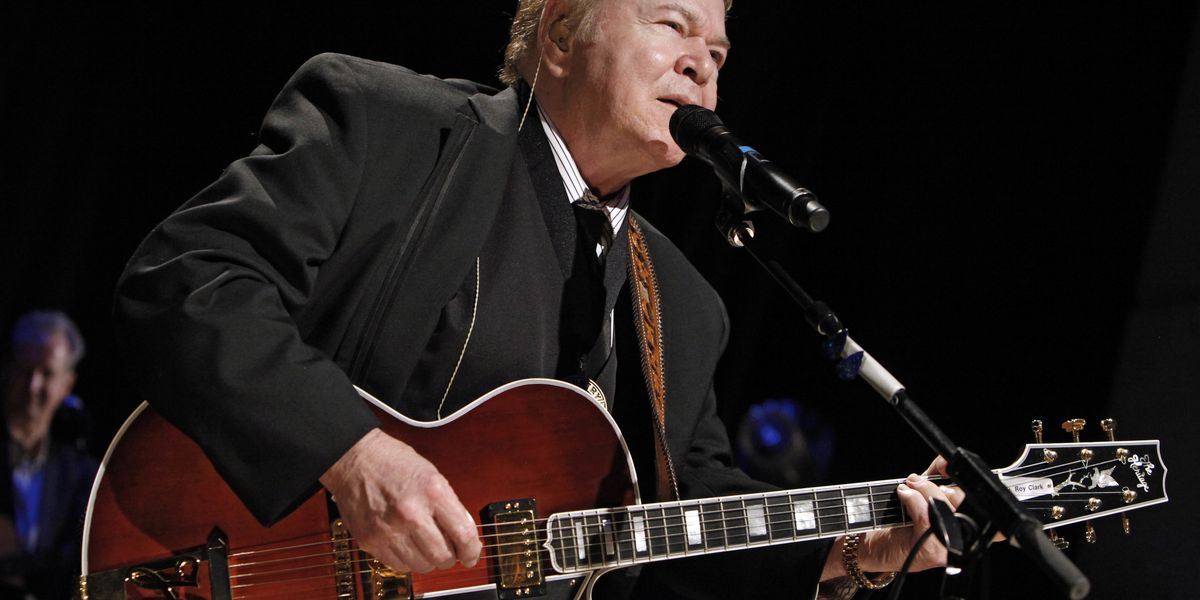 Roy Clark, country guitar virtuoso, 'Hee Haw' star, has died