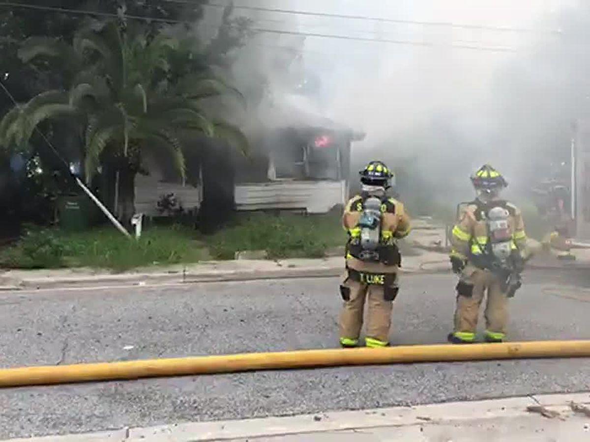House fire blankets 301 in Sarasota in smoke