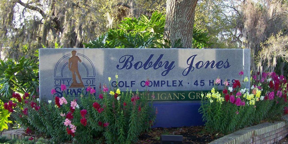 Bobby Jones to host Thanksiving Day golf event