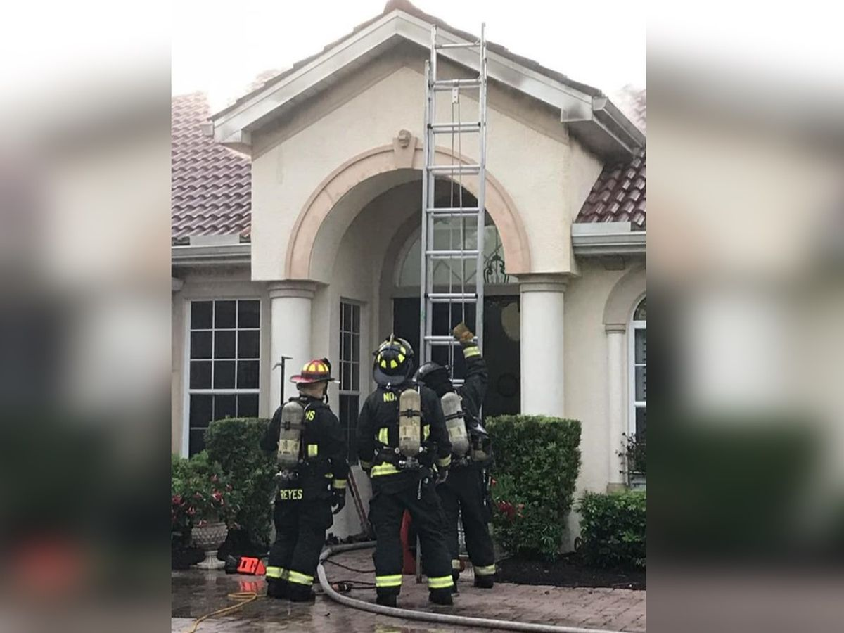 Lightning strike causes roof to catch fire in Venice
