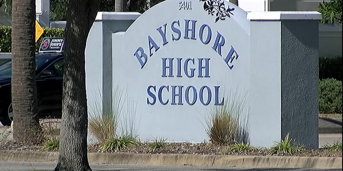 15-year-old boy accused of writing threatening note that prompted lockdown of Bradenton high school