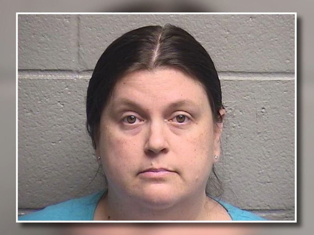 NC teacher threatened to 'shoot up' her elementary school, officials say
