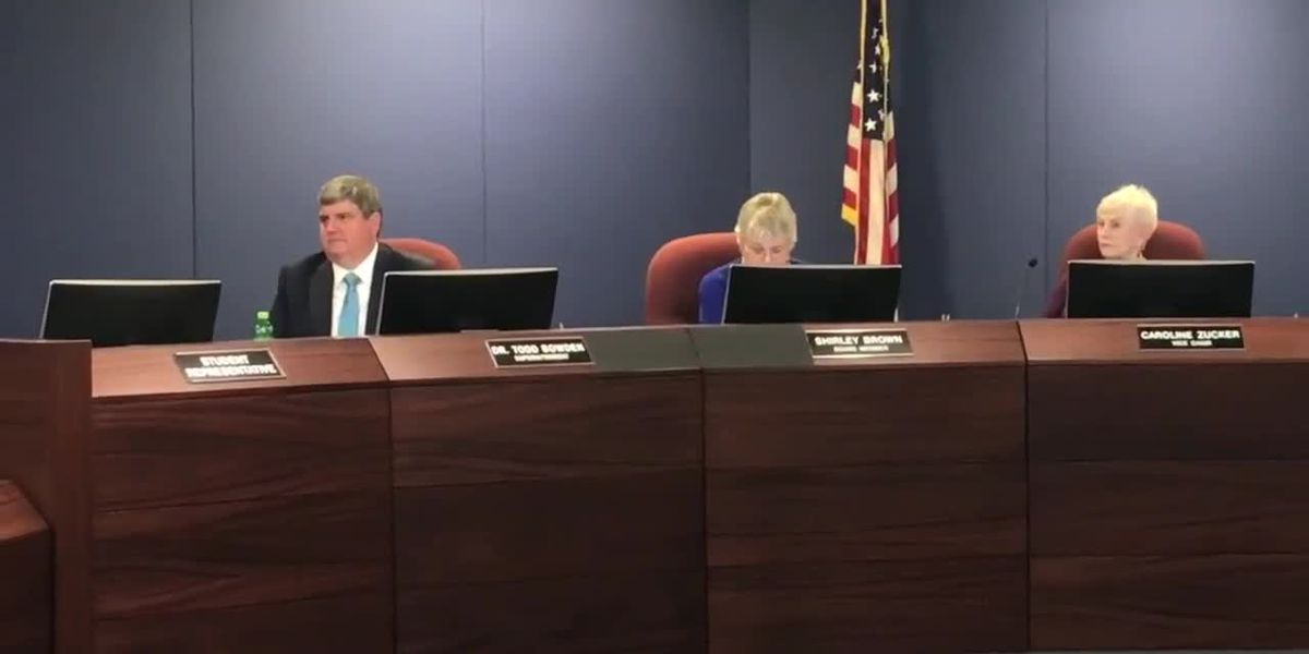 Sarasota superintendent gets controversial 4-year contract