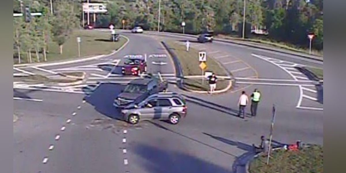 Traffic Alert: Accident on University Parkway near Desoto Road in Sarasota closed all lanes
