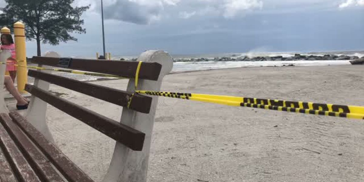 VIDEO: South Jetty in Venice closed due flooding, water crashing on rocks