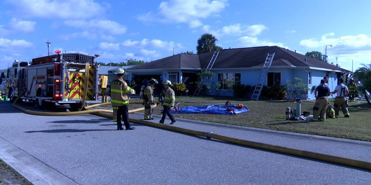 Firefighters respond to house fire in Sarasota on Thanksgiving