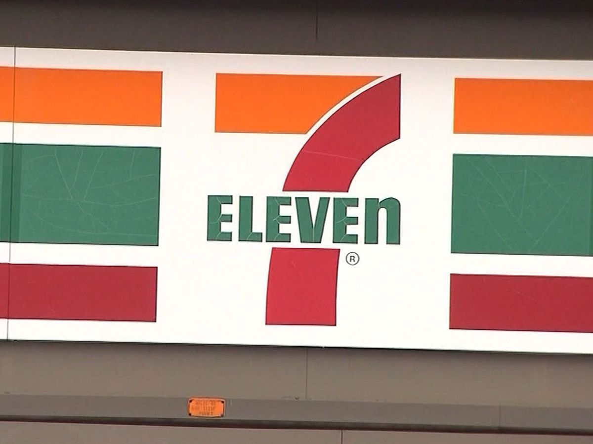 7-Eleven to hire additional 20K employees