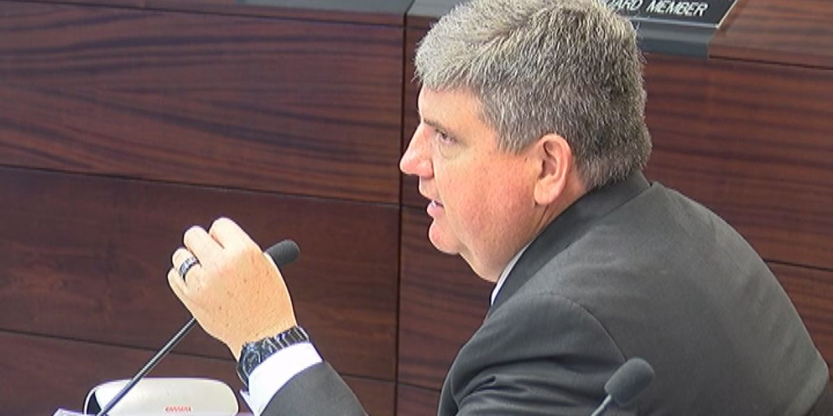 Contract for Sarasota County Superintendent sparks new controversy among School Board