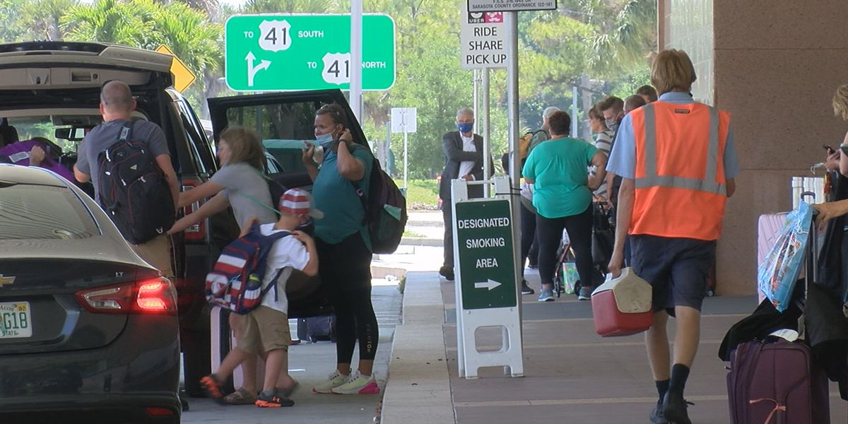 SRQ sets another passenger traffic record