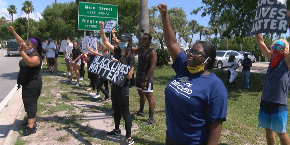 Silent protest in Sarasota in honor of George Floyd and other victims of police brutality