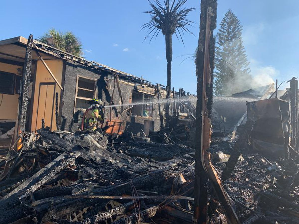 Mobile home owner in Charlotte County narrowly escapes fire