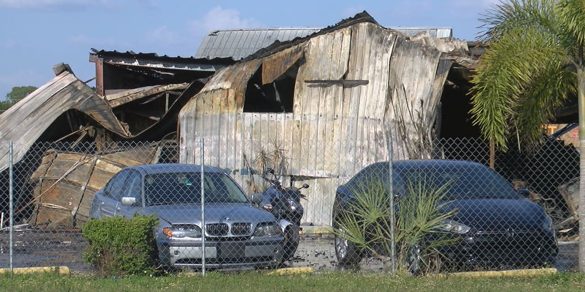 VIDEO: Fire destroys used car dealership in Manatee County